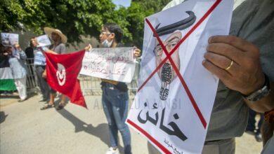 Photo of لوموند: الإمارات قدمت حوافز لقيس سعيد لتنفيذ انقلابه