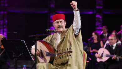 Photo of لطفي بوشناق يحيي انطلاق ثورة الكرامة بطريقته