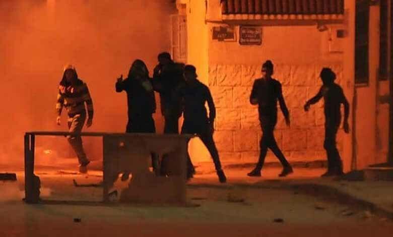 تظاهرات ليلية