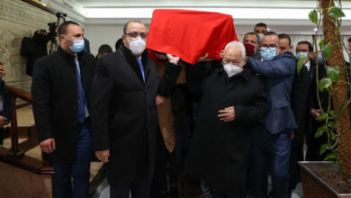 Photo of تشييع جثمان محرزية العبيدي إلى مثواها الأخير وسط حضور رسمي واسع