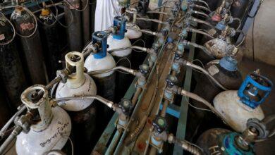 """Photo of وصول 7 شاحنات محملة بـ""""140 ألف لتر"""" من الأوكسجين من الجزائر"""