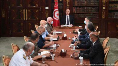 Photo of السياسات المجمدة تهدد تونس بالفوضى الشاملة