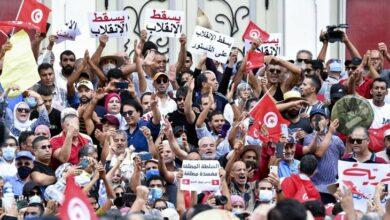 Photo of لوموند: تونس في مواجهة الانجراف الاستبدادي لرئيسها قيس سعيد
