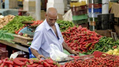 Photo of تصاعد الصراع بين قيس سعيد والكارتل المالي وسط تصاعد الأزمات المعيشية