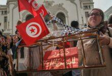 "Photo of تصاعد الدعوات لتظاهرات في تونس ""دفاعاً عن الديمقراطية"""